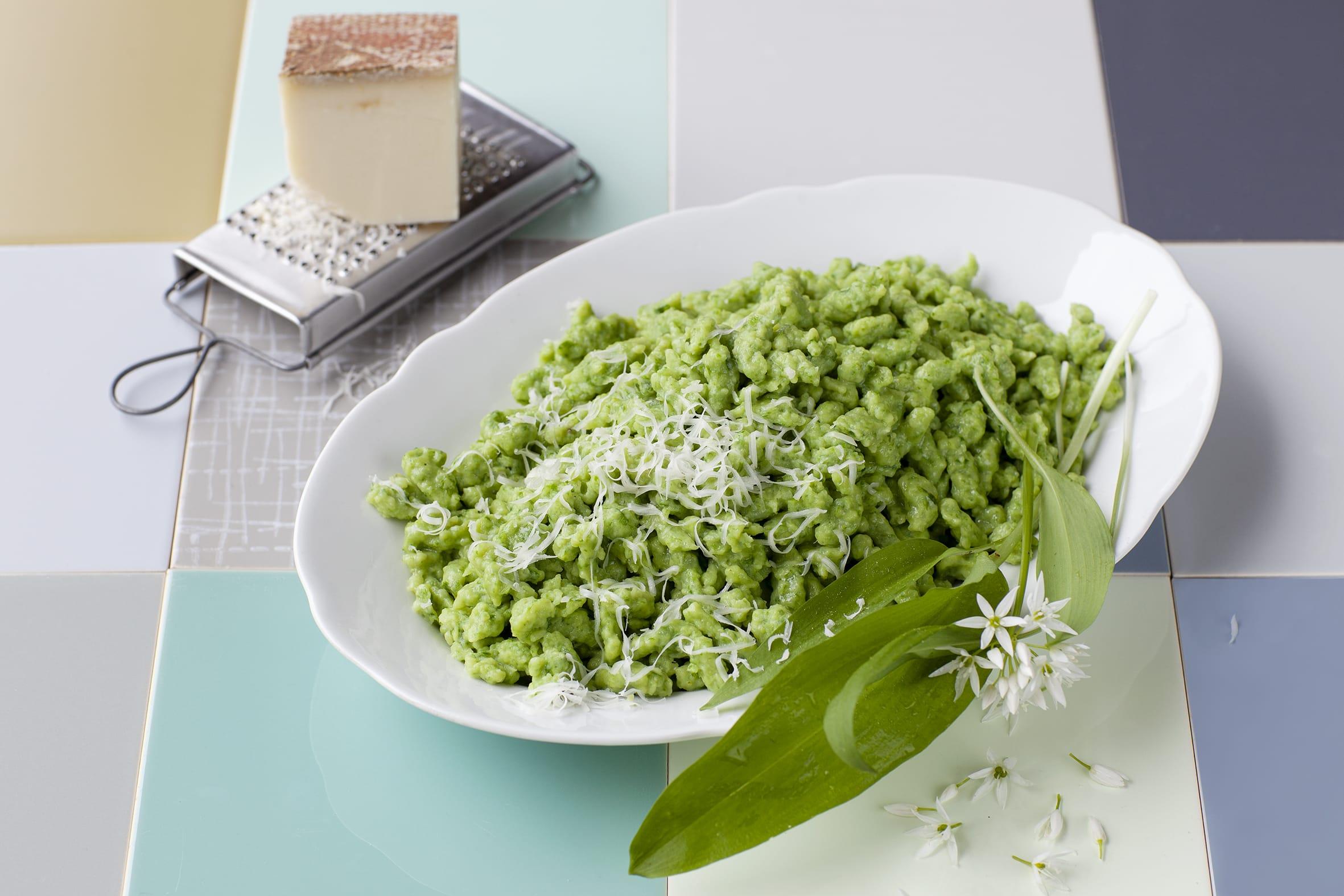 Griessknöpfli mit Spinat oder Bärlauch