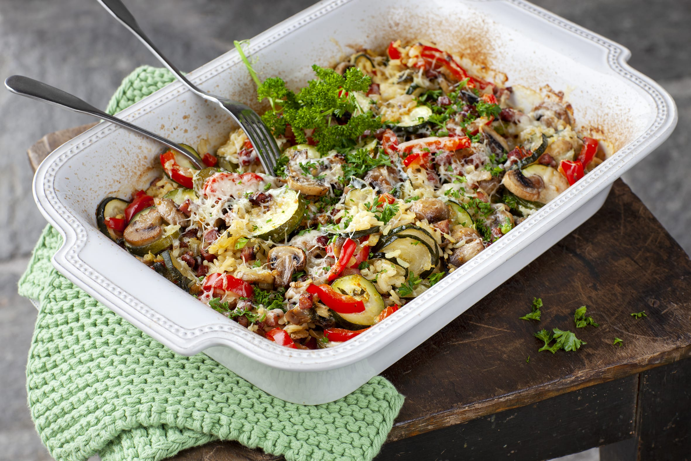 Reis-Gemüsegratin mit Champignons