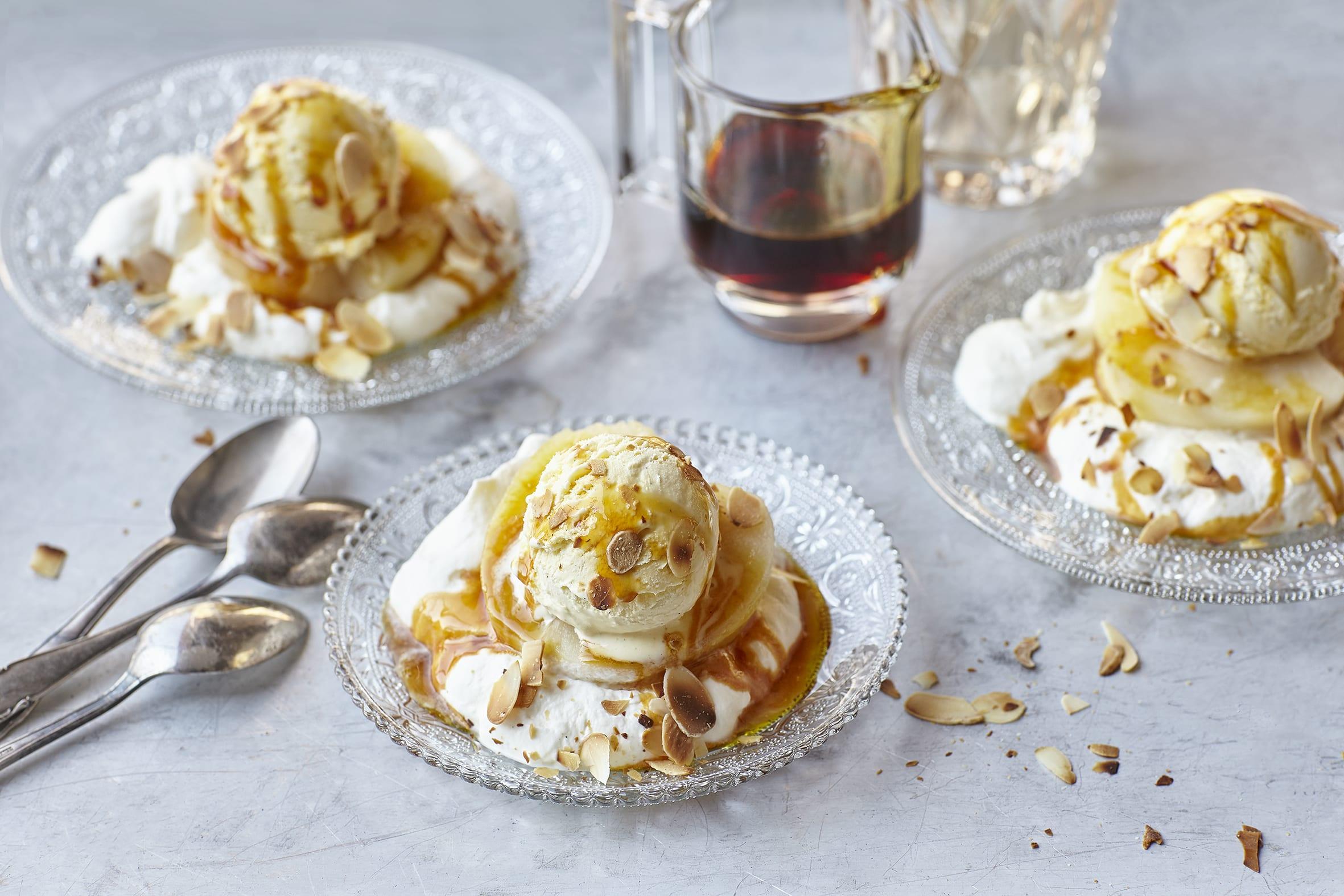 Pommes au caramel et glace vanille