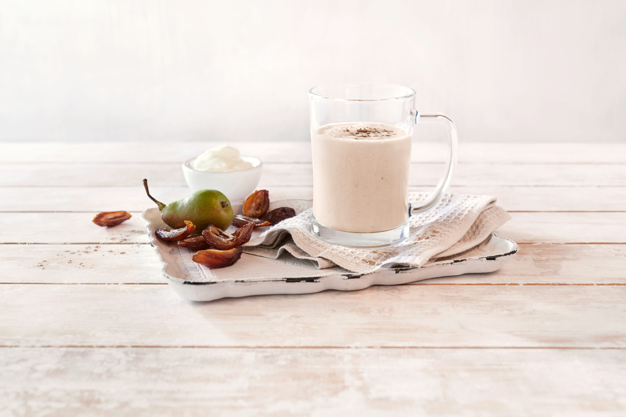 Milkshake de récupération à la poire et aux dattes