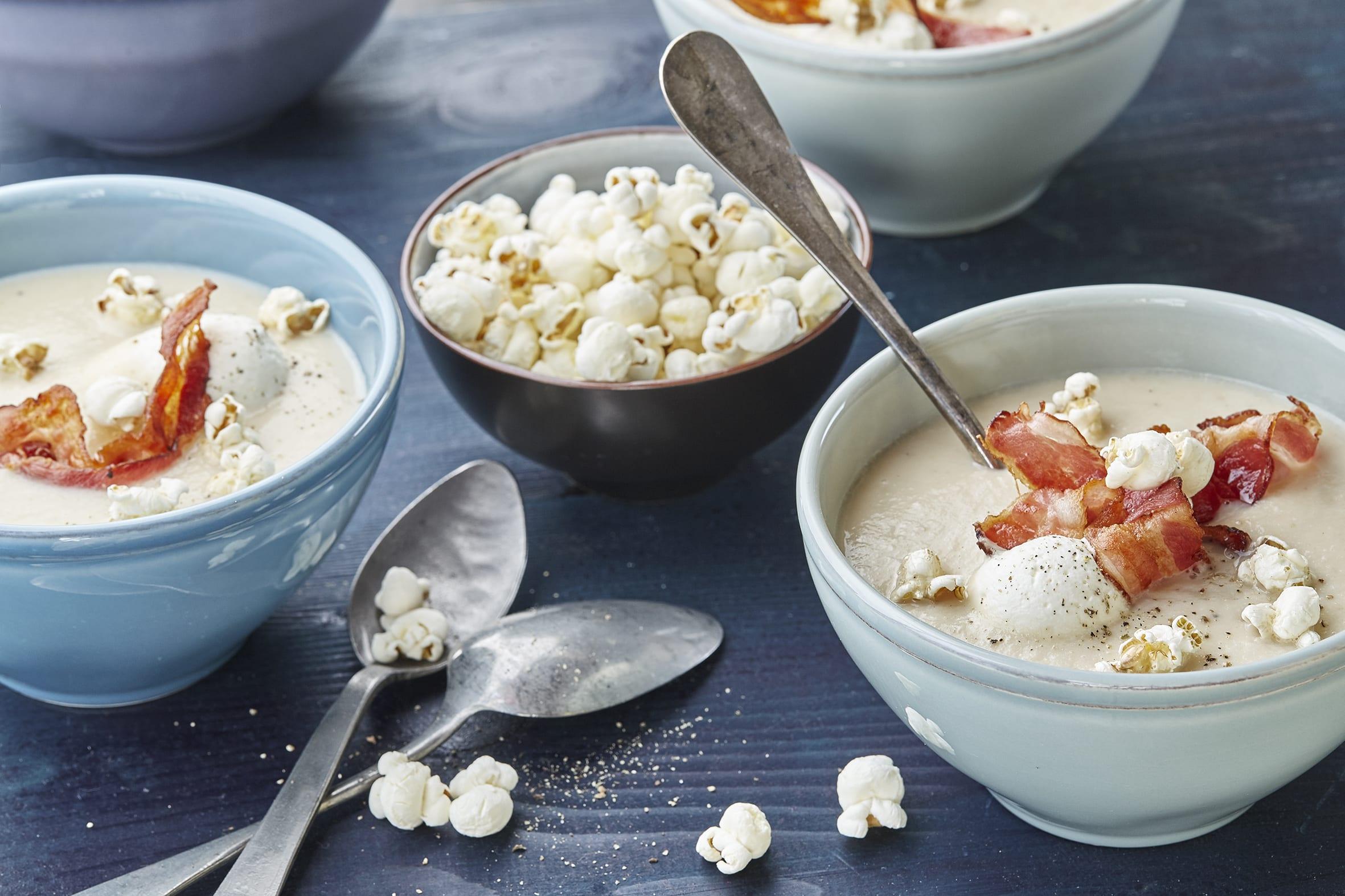 Sellerie-Süssmost-Suppe mit Speck-Popcorn