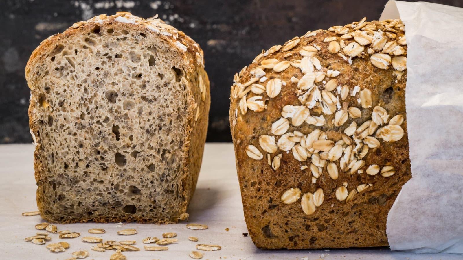 Dinkel-Joghurt-Brot mit Haferflocken