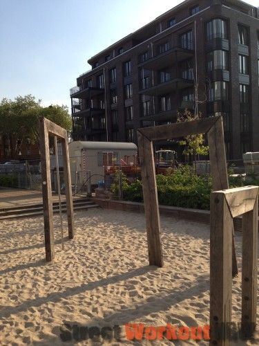Dusseldorf - Playground Quartis Les Halles - Berty-Albrecht Park