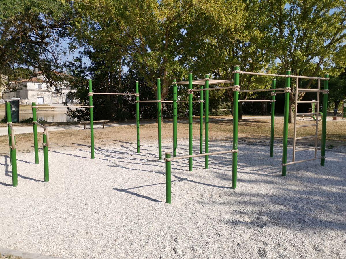 Parc des  Bourgines  - Bek la barre - 2