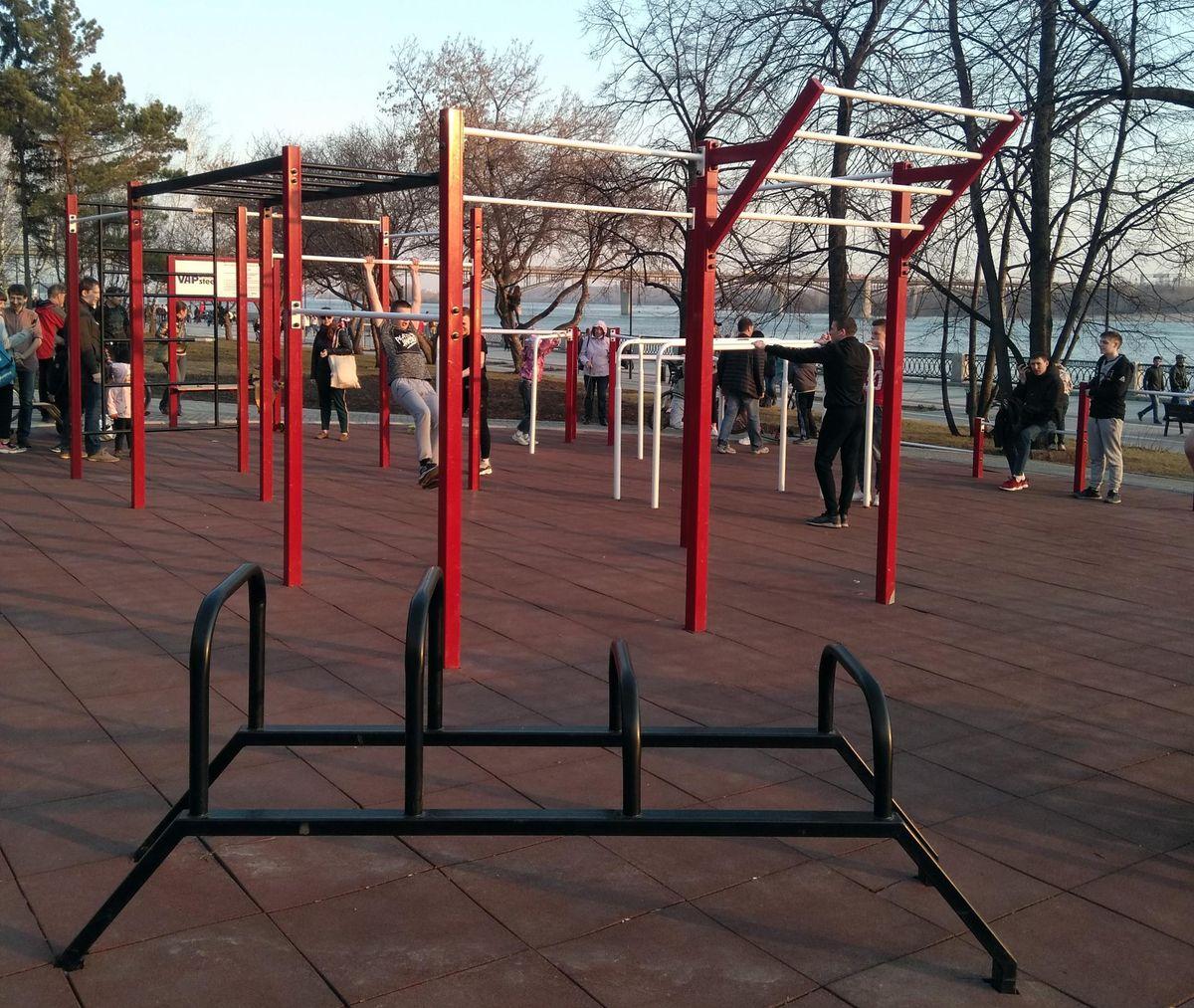 Novosibirsk - Street Workout Park - Михайловская Набережная