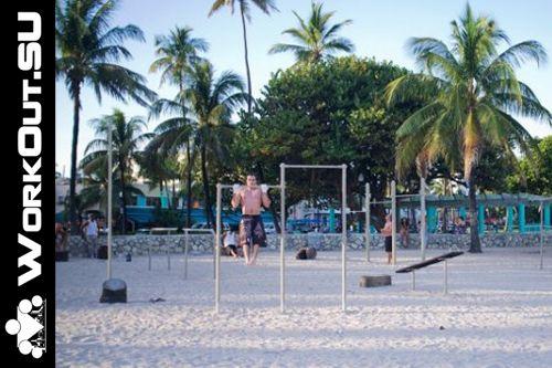 Miami Beach - Street Workout Park - Lummus Park Boardwalk