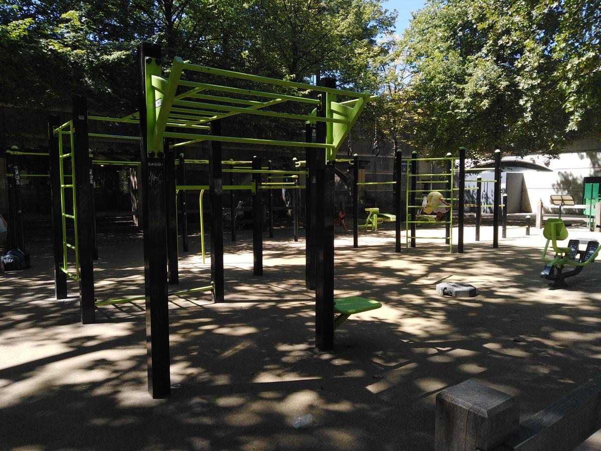 Paris - Calisthenics Park - Parc de Bercy