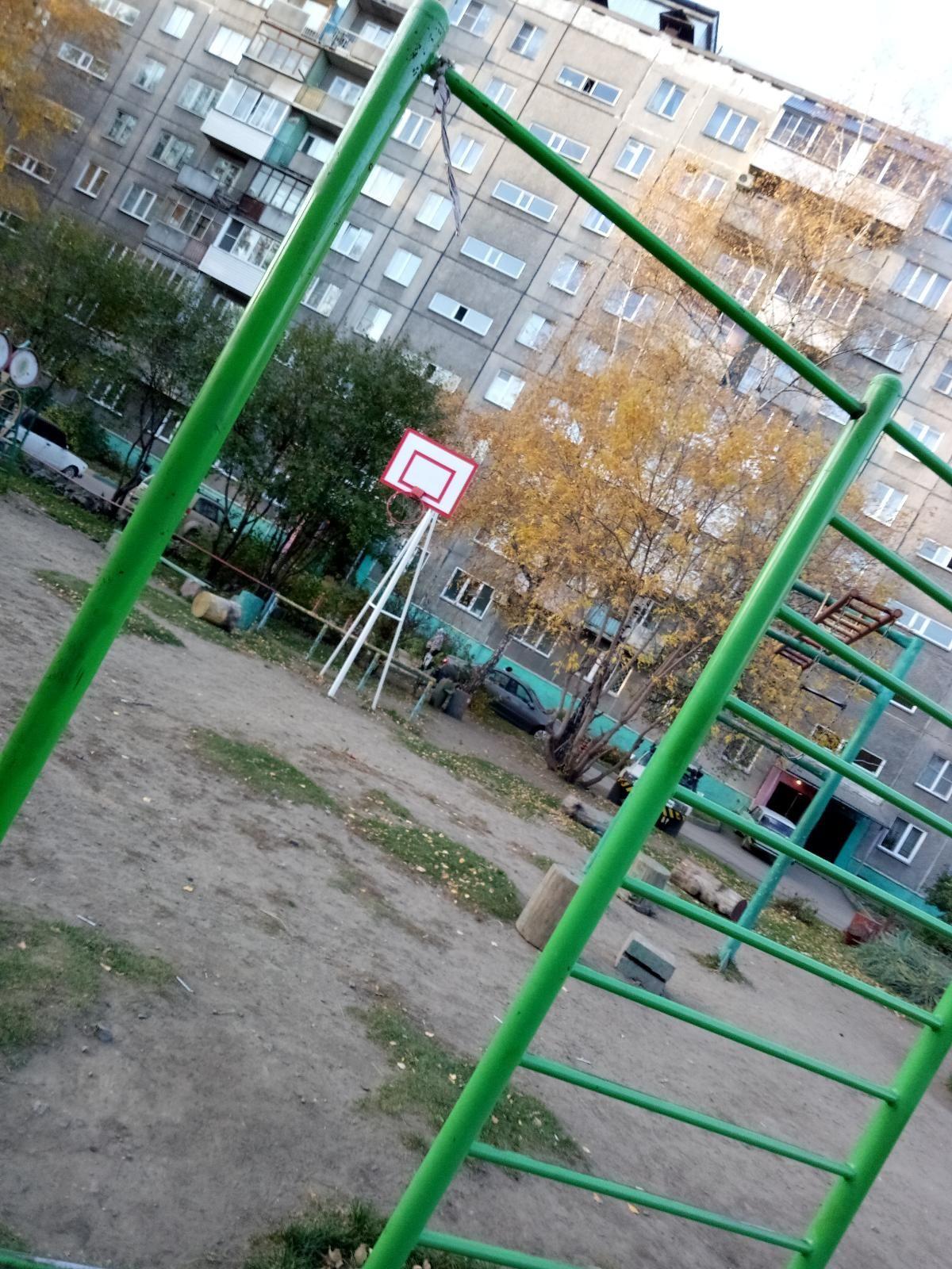 Novosibirsk - Street Workout Park - Улица Ленинградская