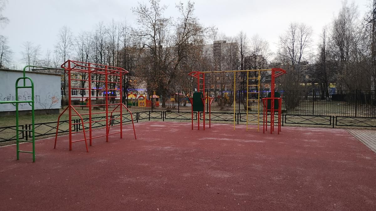 Saint Petersburg - Street Workout Park - Серебристый Бульвар