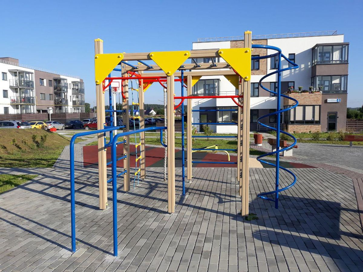 Verkhnyaya Pyshma - Outdoor Gym - 624080