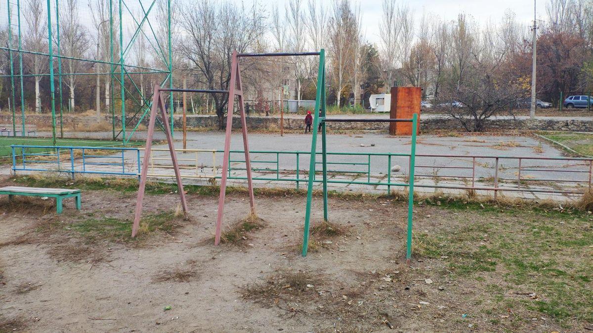 Bishkek - Street Workout Park - Печки-Лавочки \ Pechki - Lavochki