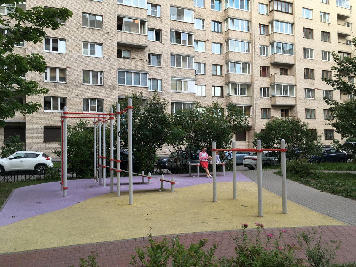 Saint Petersburg - Outdoor Gym - Улица Типанова