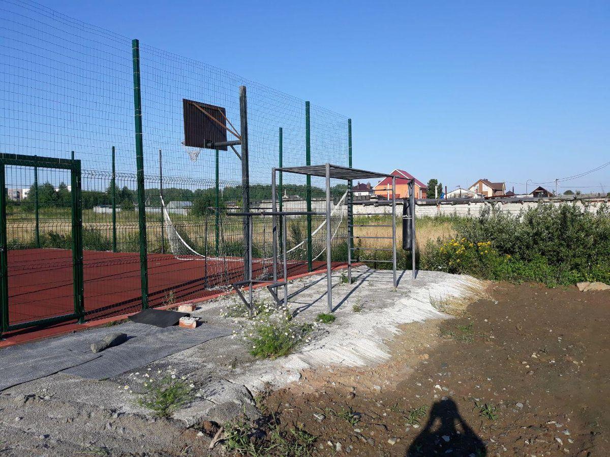 Verkhnyaya Pyshma - Street Workout Park - 624080