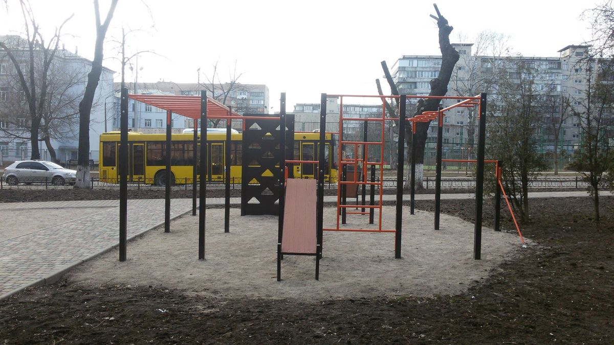 Kyiv - Street Workout Park - Татарская 36/5