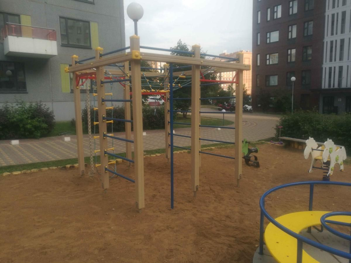Moscow - Street Workout Park - ELSE Club - A Bit Of Fittnes And Spa