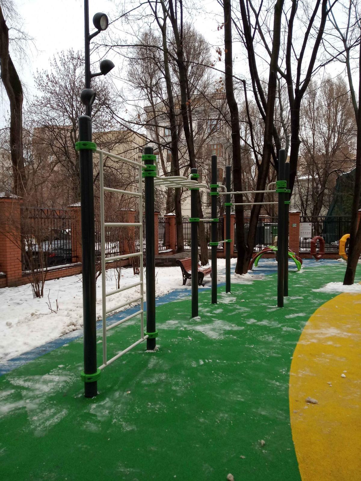Moscow - Outdoor Gym - Калошин Переулок