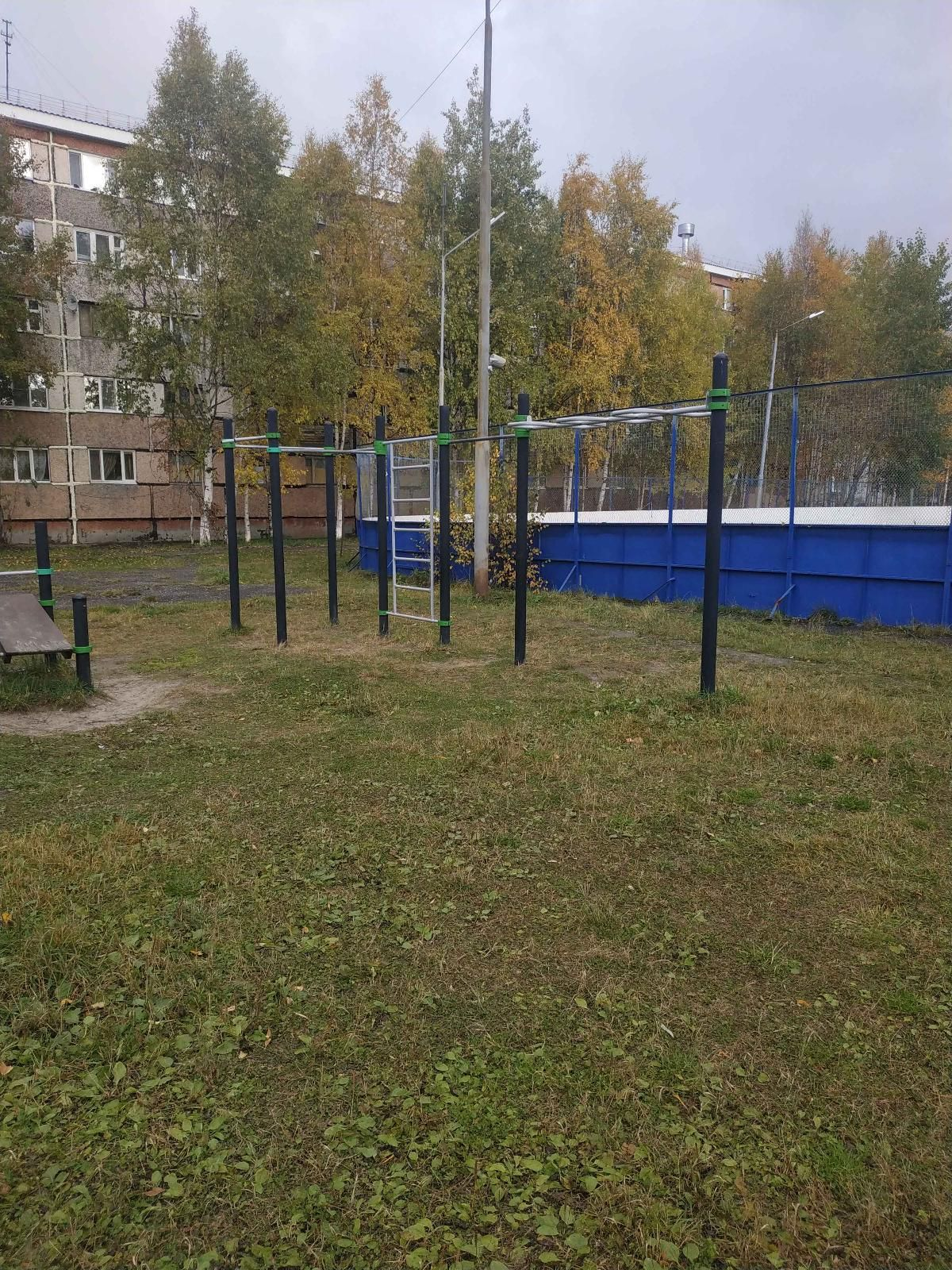 Surgut - Street Workout Park - Улица Островского