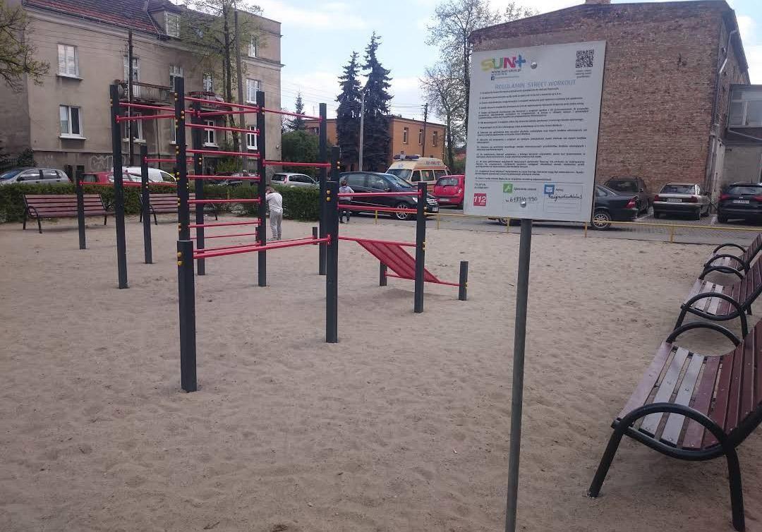 Poznań - Fitness Park - Ulica Łozowa