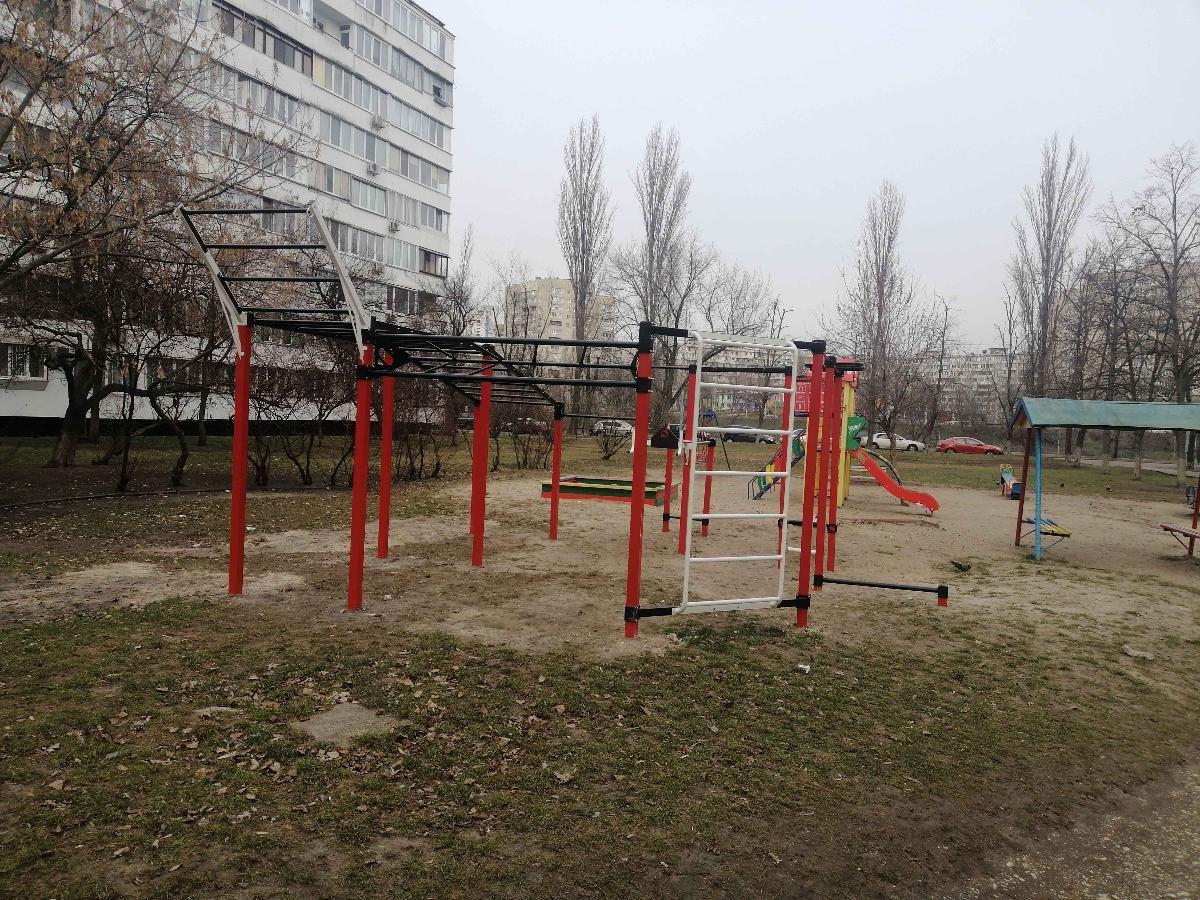 Kyiv - Street Workout Park - Ентузіастів