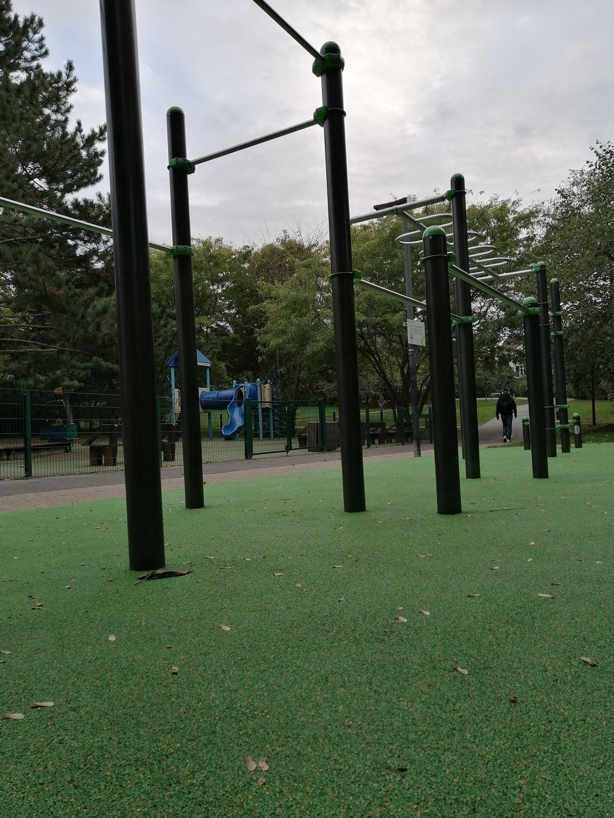 Châtillon - Street Workout Park - Rue Étienne Deforges
