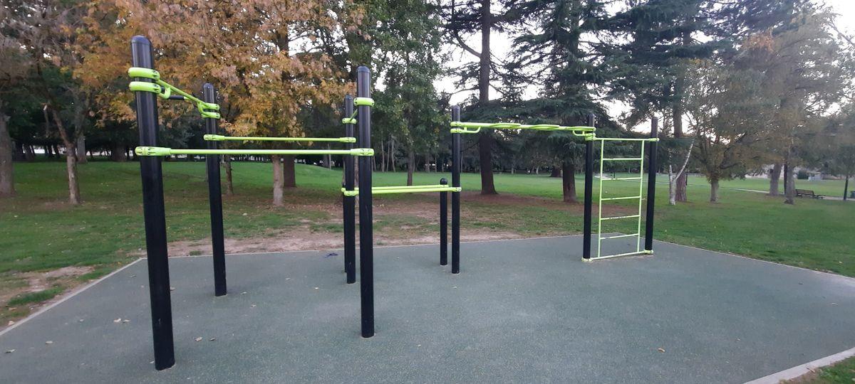 Dammarie-les-Lys - Street Workout Park - Rue Du Bas Moulin