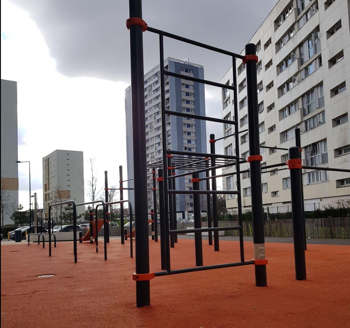 Saint-Denis - Street Workout Gym - Rue Romain Rolland