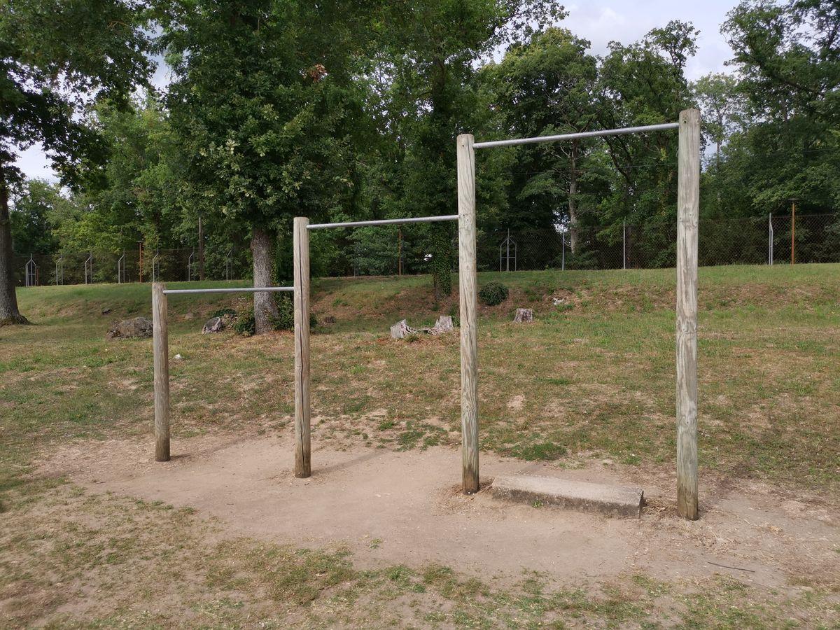 Exercise Park - Saint-Pierre-lès-Nemours - Barre Street Workout