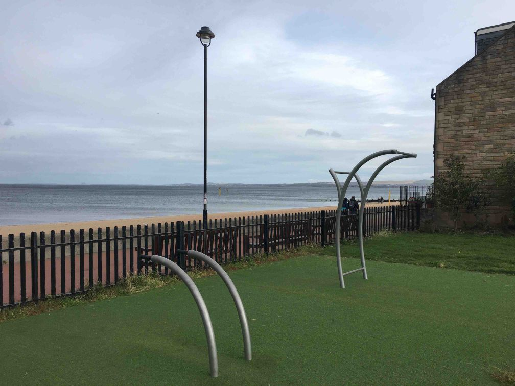 Outdoor fitness training - Edinburgh - Calisthenics workout