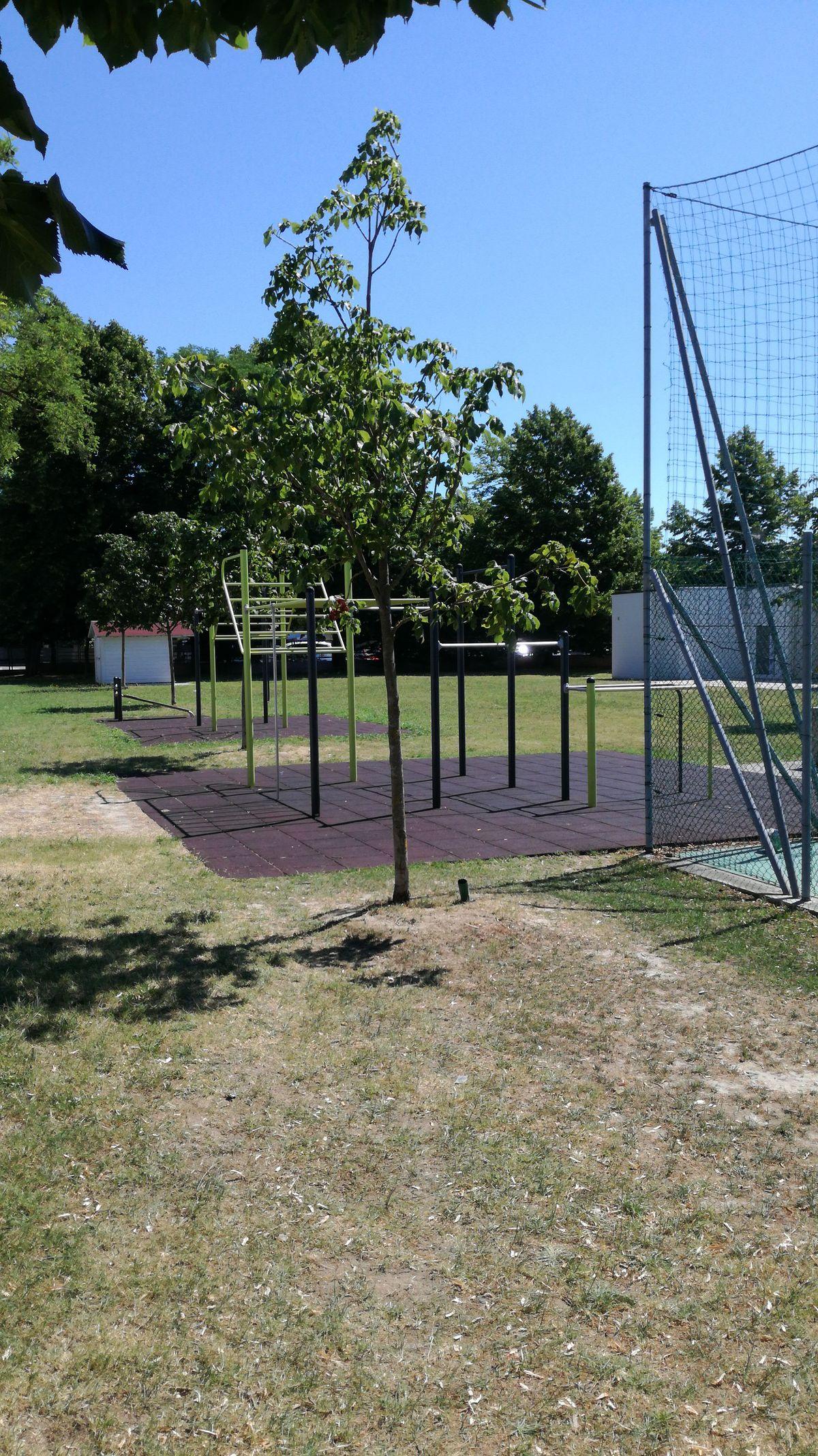 Exercise Park - Outdoor Fitness Park - Parco sportivo comunale L.HUB PARK
