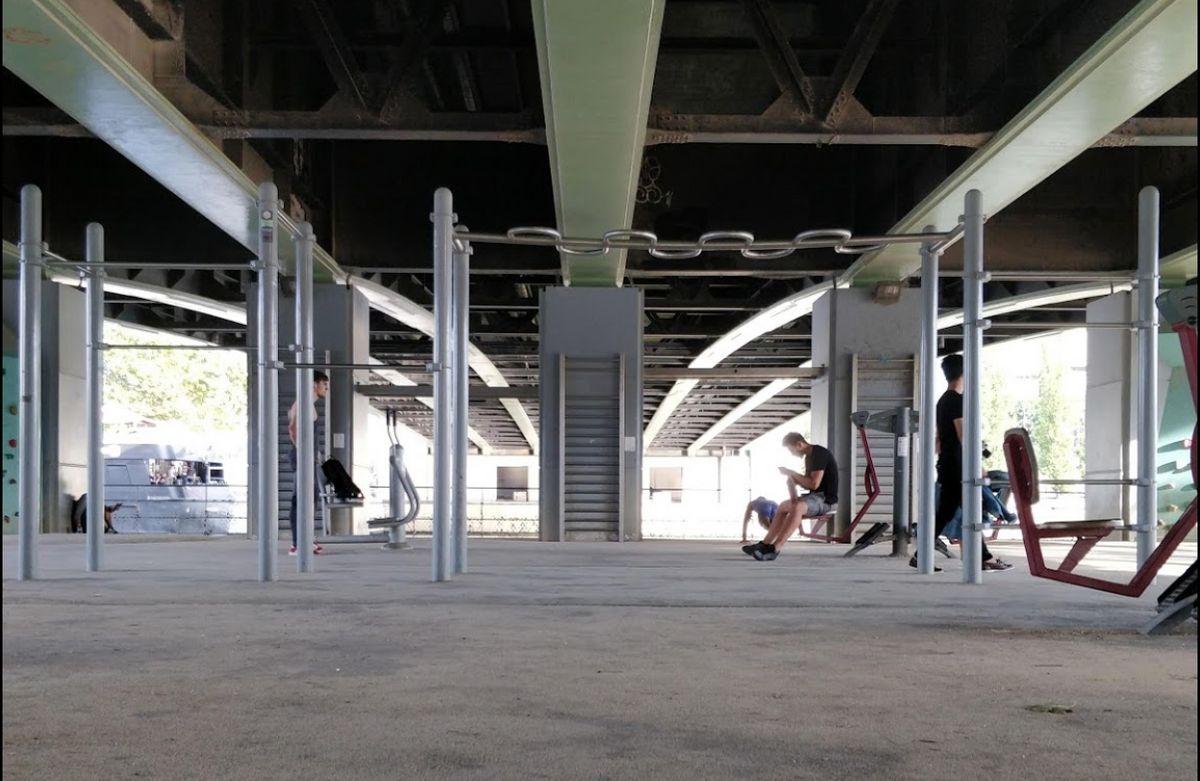 Paris - Calisthenics Park - Pont de Grenelle