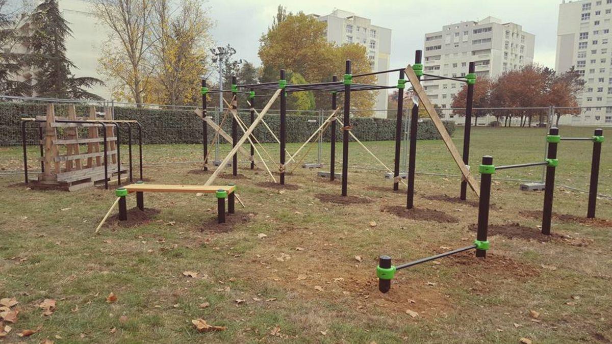 Poitiers - Calisthenics Park - Barmania.PRO