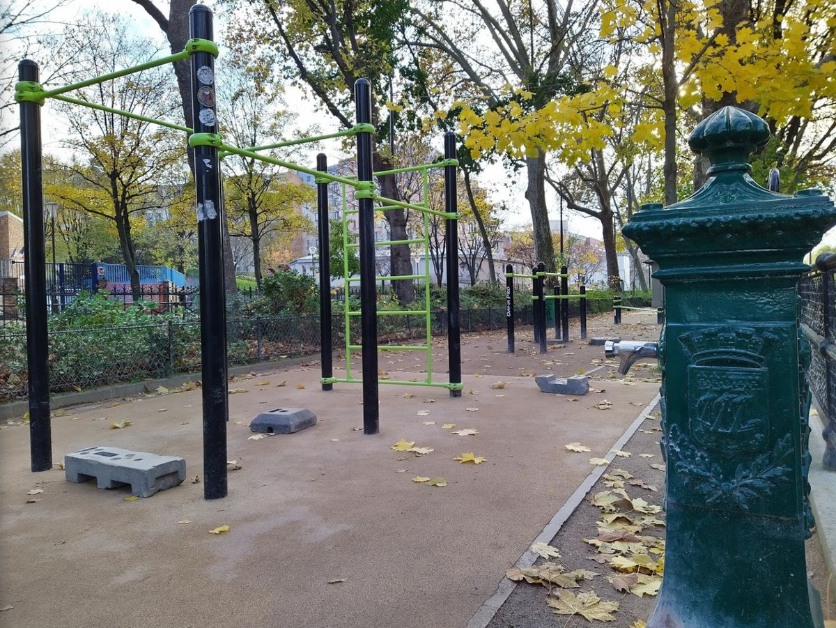 Paris - Street Workout Park - Parc de Valmy