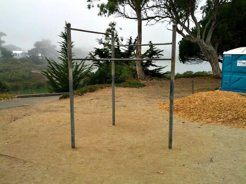 San Francisco - Outdoor Pull Up Bars - Lake Merced Park