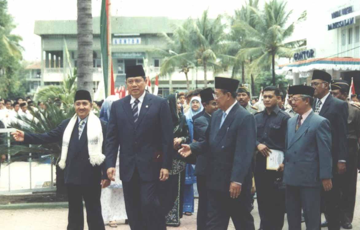 Peresmian Masjid Jami Pondok Modern Gontor Oleh Presiden Soeharto