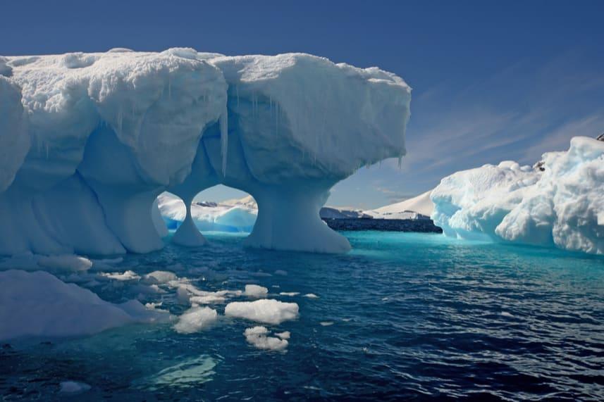 Antarctica Yacht Charter