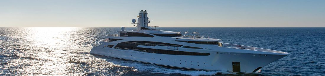 Group of Luxury Mega Yacht In