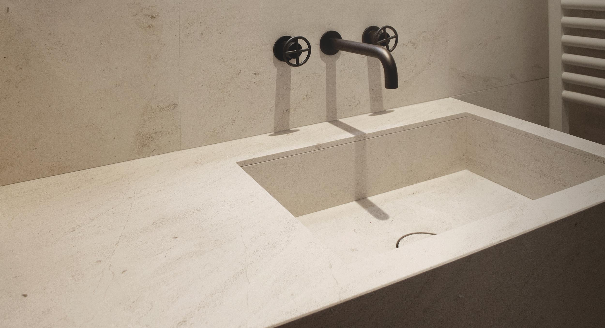 Sink in Crema d'Orcia limestone