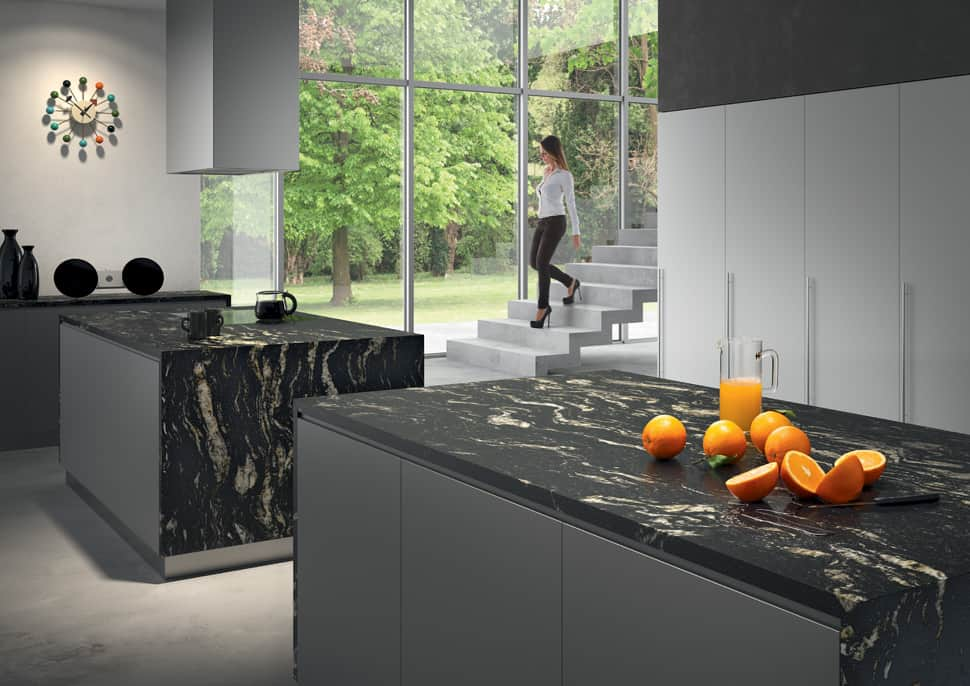 Kitchen with worktop in Cosmic Black stone by Antolini
