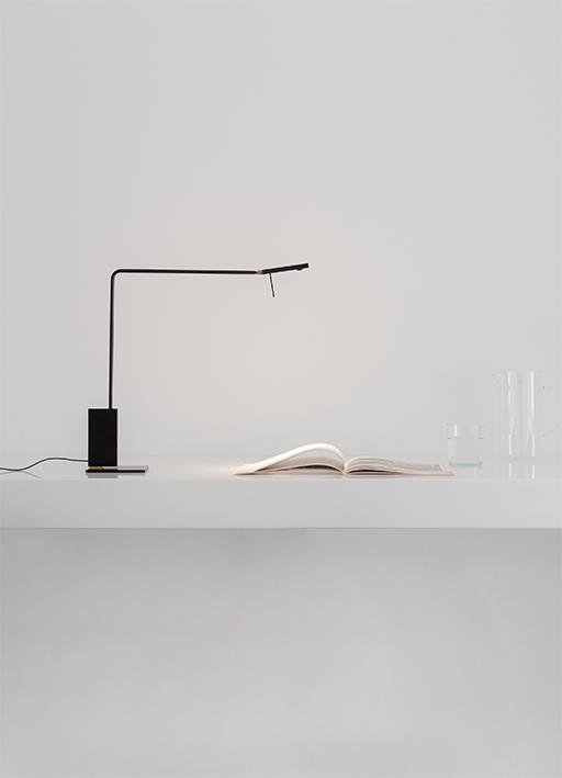 Roy Lettura desk lamp by Viabizzuno