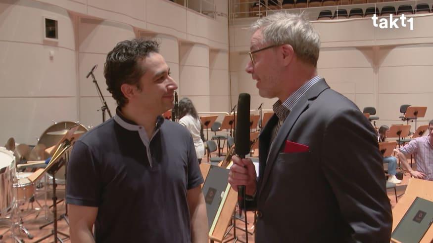 Andrés Orozco-Estrada über Martinů, Strauss und Mozart