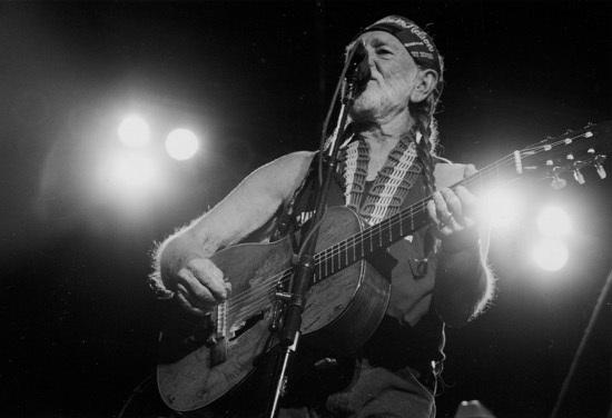 Willie-Nelson-in-concert-Illumination.jpg
