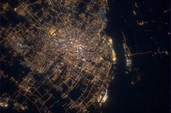 Shanghai-at-night-Chris-Hadfield-e1369169014446.jpg