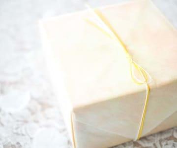 記念日にぴったり!女性に贈る愛が深まるおすすめのプレゼント15選