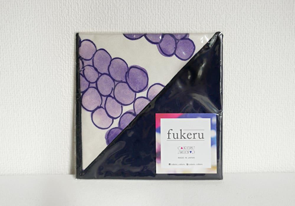fukeru-眼鏡が拭けるハンカチ fruits (三角形)