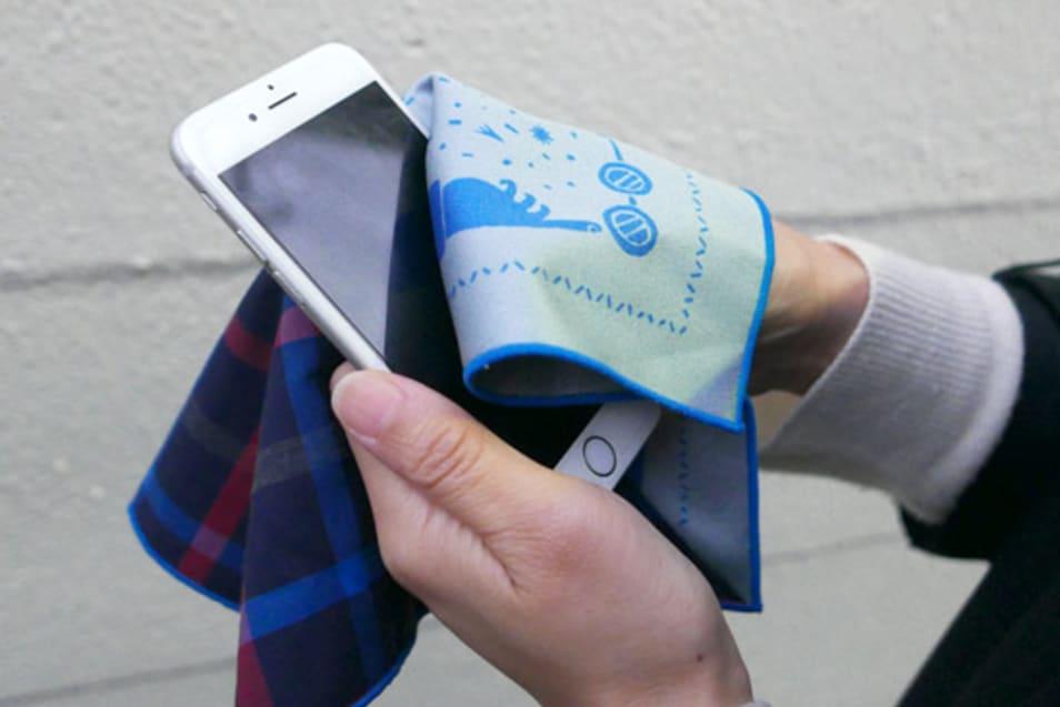 fukeru-眼鏡が拭けるハンカチ check (Mサイズ)