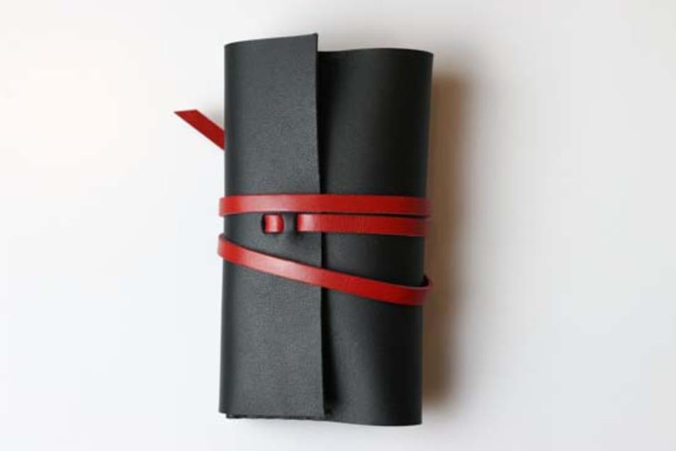 KAKURA手縫いレザー名刺ケースurushi