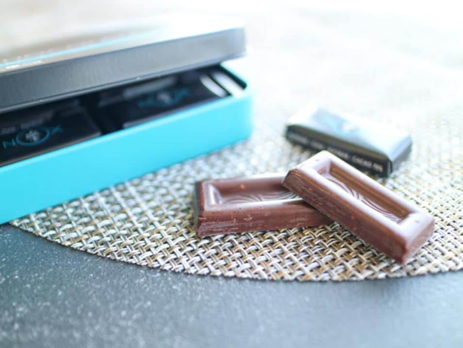 【NOX】プレミアムオーガニックチョコレート LOVE EDITION アーモンド&チアシード