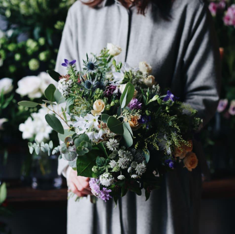 【ex. flower shop & laboratory】季節の花束 - L -