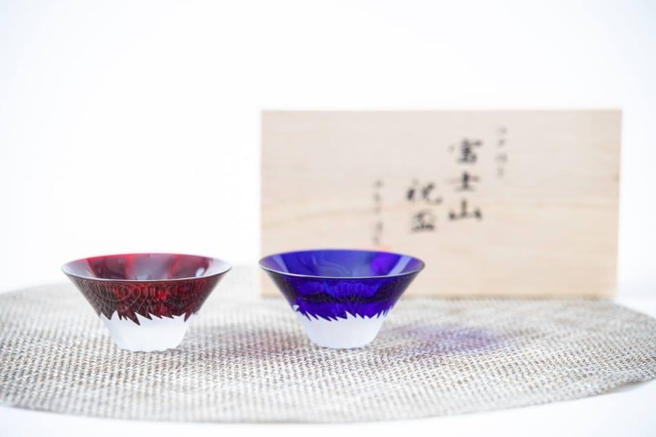 【田島硝子】彫刻硝子青赤富士セット(木箱入り)
