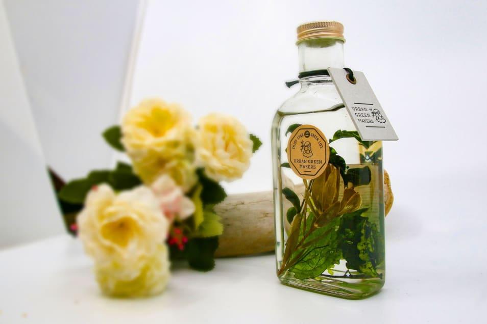 MAKERS HERBARIUM / GLASS BOTTLE BOTANICAL